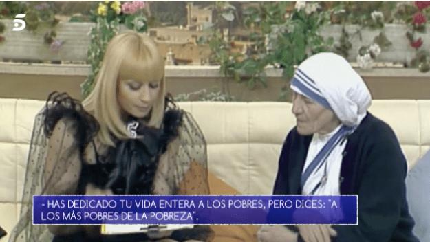 La divertida aparición de Raffaella Carrà en 'Volverte a ver'