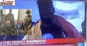 urgent-Guinée-les 1er mots du colonel Mamady Doumbouya, un ancien légionnaire de l'armée française qui se fait la peau d'ALPHA CONDE-sans surprise pour? ledebativoirien.net