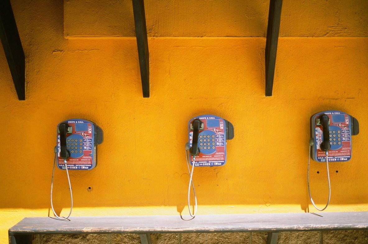 telephones-405921_1280