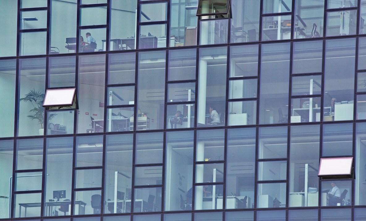vitre building bâtiment transparence