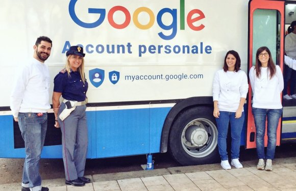 """4^ tappa di """"Vivi internet al sicuro"""" in Campania: verso una privacy per i minori?"""