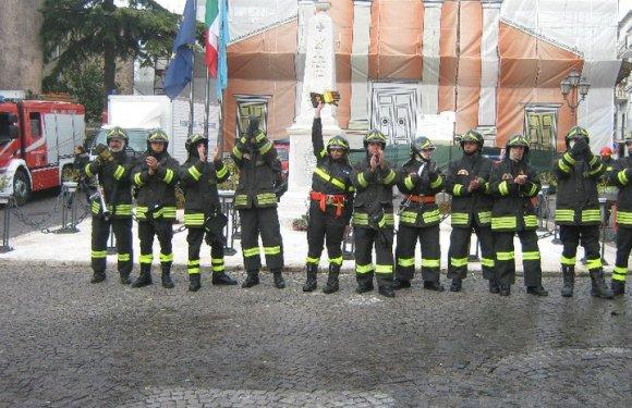 """Vigili del Fuoco a Latina: grande concerto con """"Un Pompiere"""" di Stefano Bossa"""