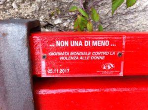 QUI CAMPANIA - Una panchina rossa 2