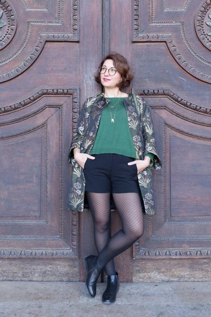 manteau léger vert short boots cuir collant à motifs paris blog mode fashion