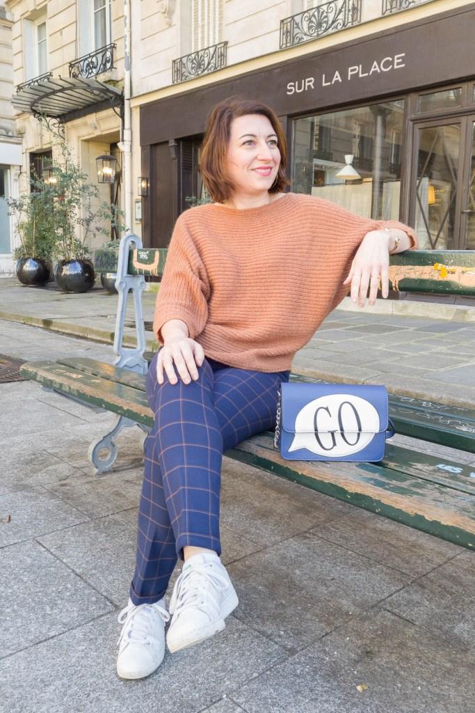 noisette, écureuil, pantalon à carreaux, look, mode, fashion, blog, blogueuse, paris, sneakers, monoprix, pantalon raccourci, sac orginal, GO, sac bleu