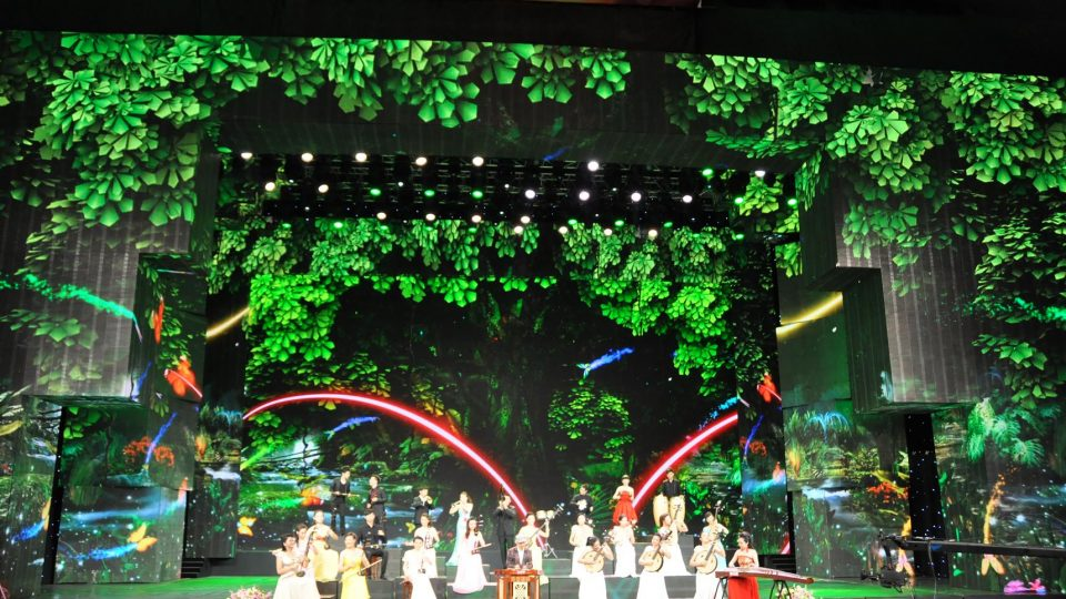indoor-curtain-mesh-rental-stage-led-display-screen-panel-sign-curtain-billboards-outdoor-indoor-full-color-advertising-rental-stage0001