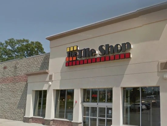 the tile shop signs lease for south