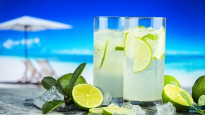 Citroenwater drinken