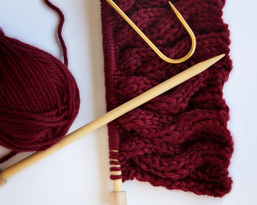 chunky cabled cowl knitting pattern