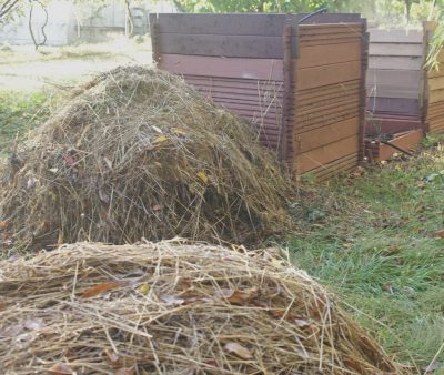 Haystacks and compost piles