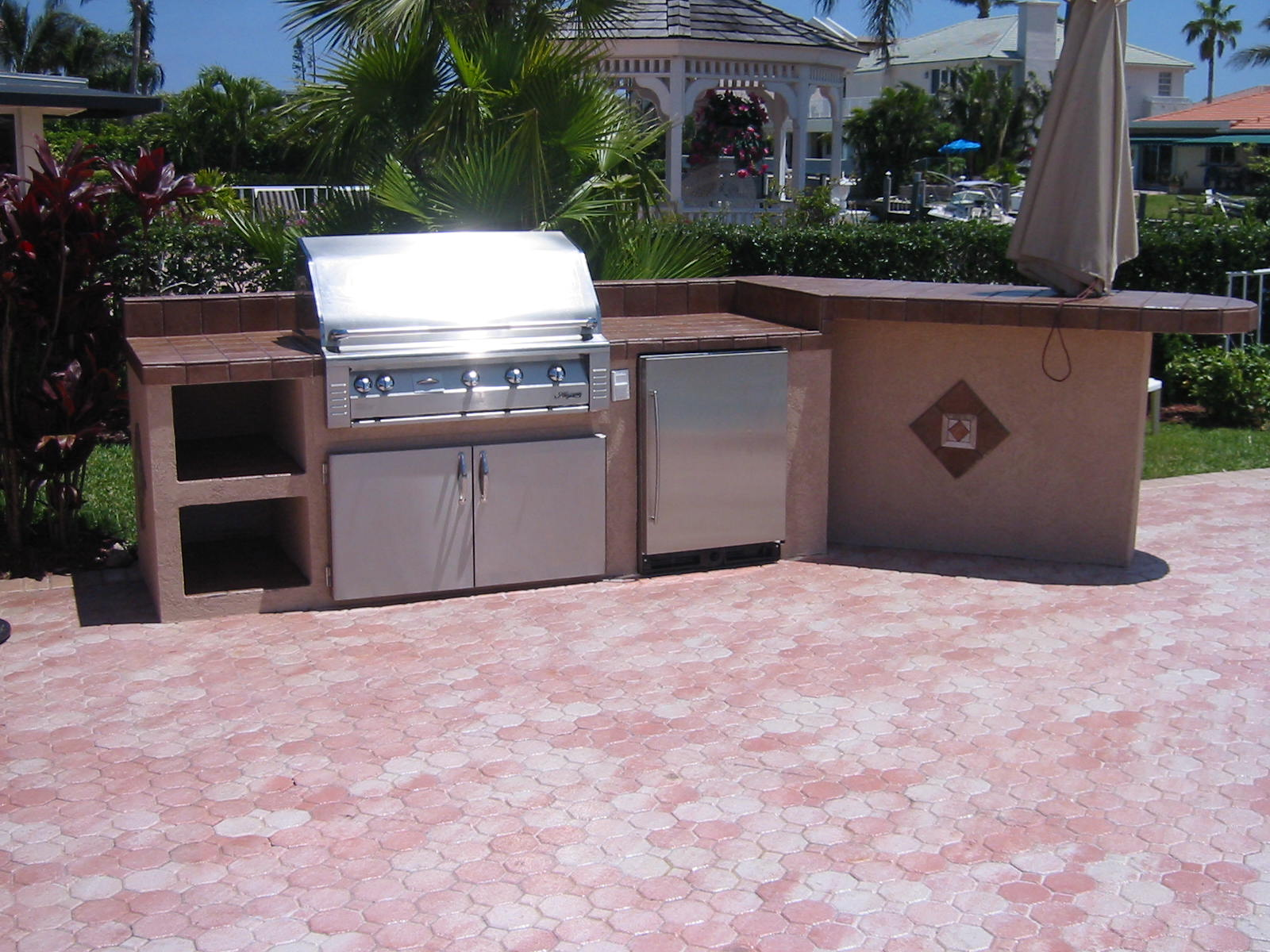 More outdoor kitchen grill island designs with built in ... on Built In Grill Backyard id=43859