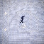 Chemise Homme à Carreaux Calligraphie - Bleu - Détail - Broderie Poche