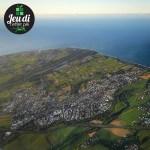 Quel commune du littoral de la Réunion se trouve au centre de cette photo ?