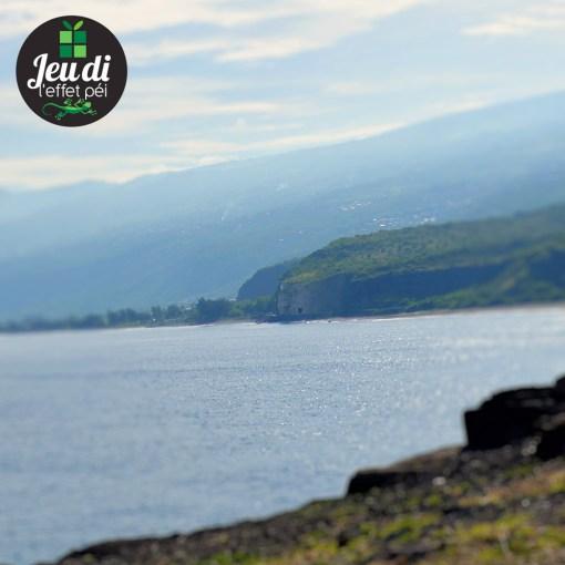 Quel célèbre cap de la Réunion est visible au centre de cette photo ?