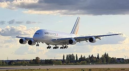 L'A�380 d'Air France peut accueillir 538�passagers en trois classes�:9 en premi�re, 80 en classe affaires, 449 en �conomique.