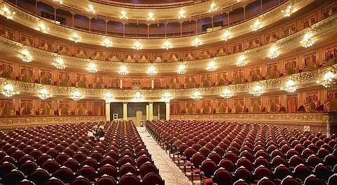 Près d'un siècle après sa construction, il s'agit de redonner au Théâtre Colon toute sa splendeur d'origine.