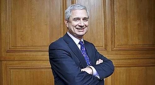« Nicolas Sarkozy se retrouve avecun premier ministre plus imposé que choisi et un responsable de l'UMPen qui iln'a pas toute confiance», estime Claude Bartolone.