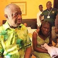 Laurent Gbagbo et son épouse Simone à l'hôtel du Golf, peu après leur capture.