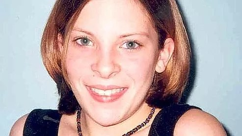 «C'est le désarroi qui s'ajoute à la tragédie d'apprendre que News of the World n'avait aucune humanité à un moment aussi terrible», a déclaré Mark Lewis, l'avocat de la famille de Milly Dowler, enlevée et tuée en 2002.