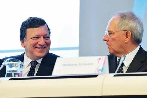 Le président de la Commission européenne, José Manuel Barroso, et le ministre des Finances allemand, Wolfgang Schäuble. Ce week-end, les deux dirigeants ont évoqué une possible sortie de la Grèce de la zone euro.