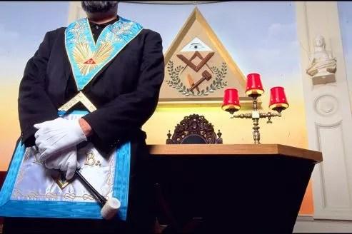 La franc-maçonnerie compte 150.000 membres.