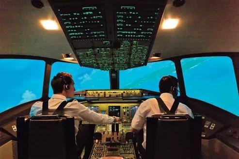 Des formations pour s'initier au pilotage à bord d'un simulateur.