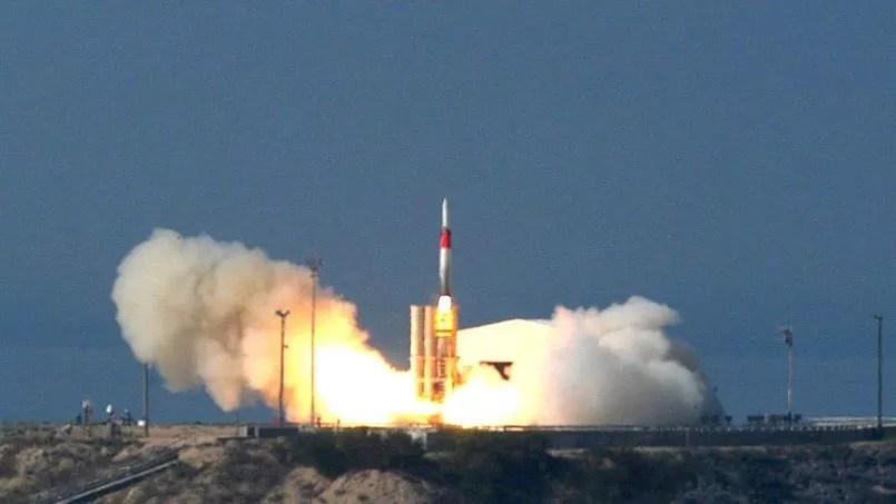 Cette image d'archives, datant de 2005, montre le lancement d'un missile Arrow.