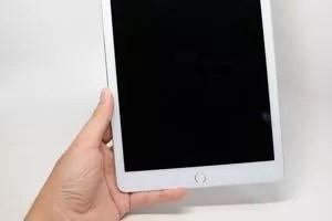 L'ipad Air 2 et son capteur d'empreintes Touch ID.