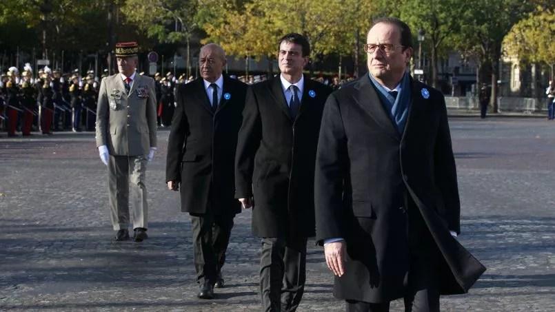 François Hollande a présidé les cérémonies du 11 novembre sur les Champs-Elysées, où un émouvant hommage aux sept soldats français tués depuis une année en opérations a également été rendu.