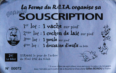 <Photo of prize draw to win a cow, a piglet or a chicken in Thones, near La Clusaz, French Alps>