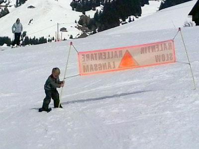 <Photo of a kid with a drill at Grand Laquais drag lift in l'Etale, La Clusaz >
