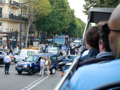 <Photo of a car accident in Paris, France>