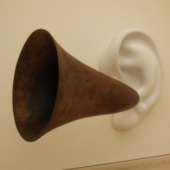 beethovens_trumpet_with_ear_by_john_baldessari_saatchi_gallery__london