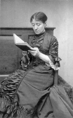 Frederick_Hollyer_portrait_of_Georgiana_Burne-Jones_c1882