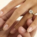Pourquoi y'a t-il un diamant sur les bagues de fiançailles ?