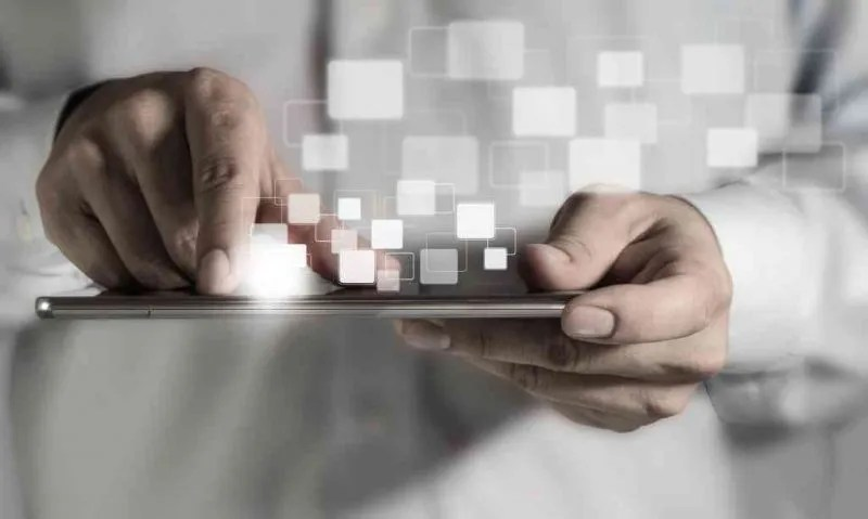 young-adult-working-on-a-digital-tablet_fJrBM5Bu