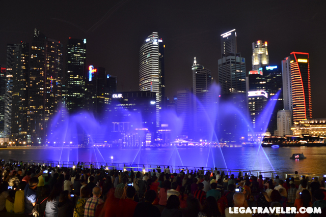 fuentes-espectaculo-marina-bay-sands-singapur