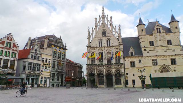 Plaza del Mercado en Malinas (Grote Markt Mechelen)