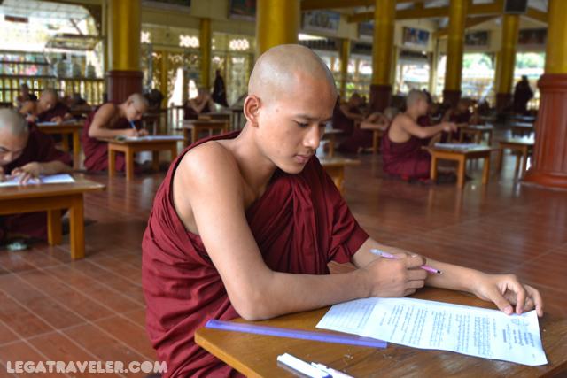 Monasterio Kha Khat Wain Kyaung Myanmar