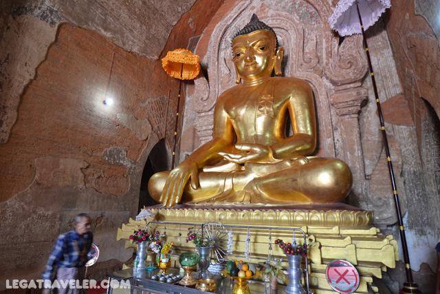 Htilominlo interior templo bagan
