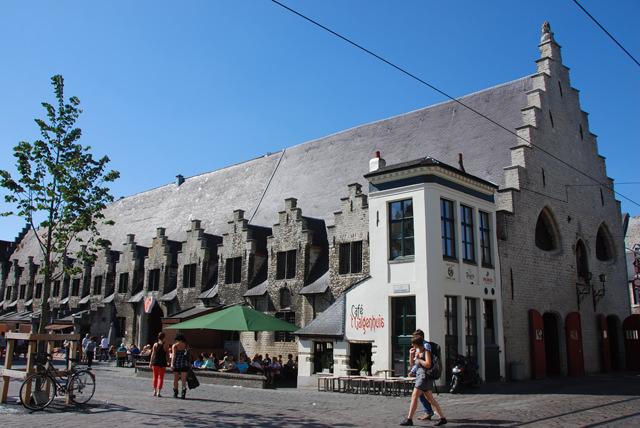 bar-mas-pequeño-de-gante-galgenhuis