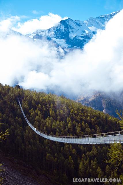 charles-kuonen-hängebrücke-puente-suiza