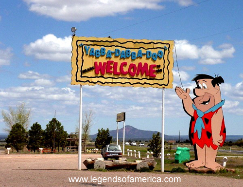 https://i1.wp.com/www.legendsofamerica.com/photos-arizona/BedrockCity.jpg