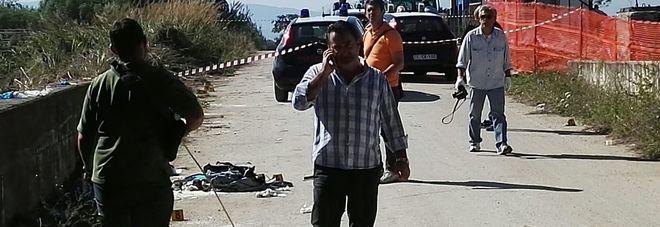 Chieti, immigrato armato e con finta cintura esplosiva aggredisce i carabinieri: arrestato