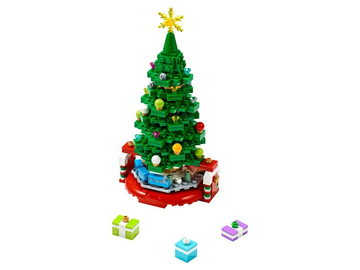 Christmas Tree 40338 | UNKNOWN | Buy online at the Official LEGO® Shop US