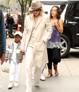 Madonna et son fils David au centre de la Kabbale