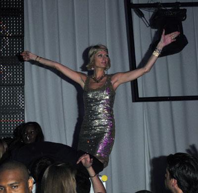 Photos : Paris Hilton se lâche avec Doug Reinhardt