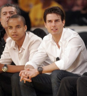 Photos : Tom Cruise et son fils Connor fans des LA Lakers