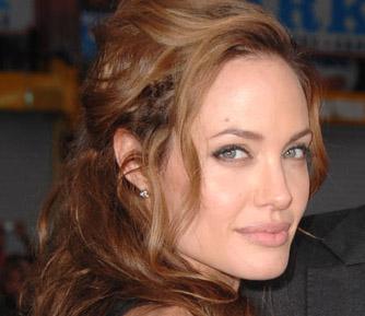 Angelina Jolie sorcière Tim Burton