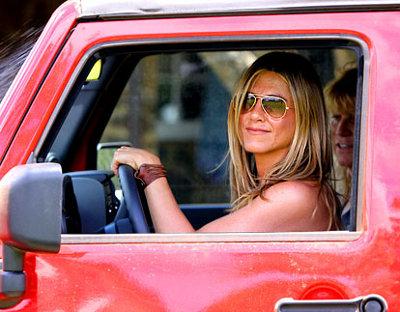 Jennifer Aniston Fière Jeep